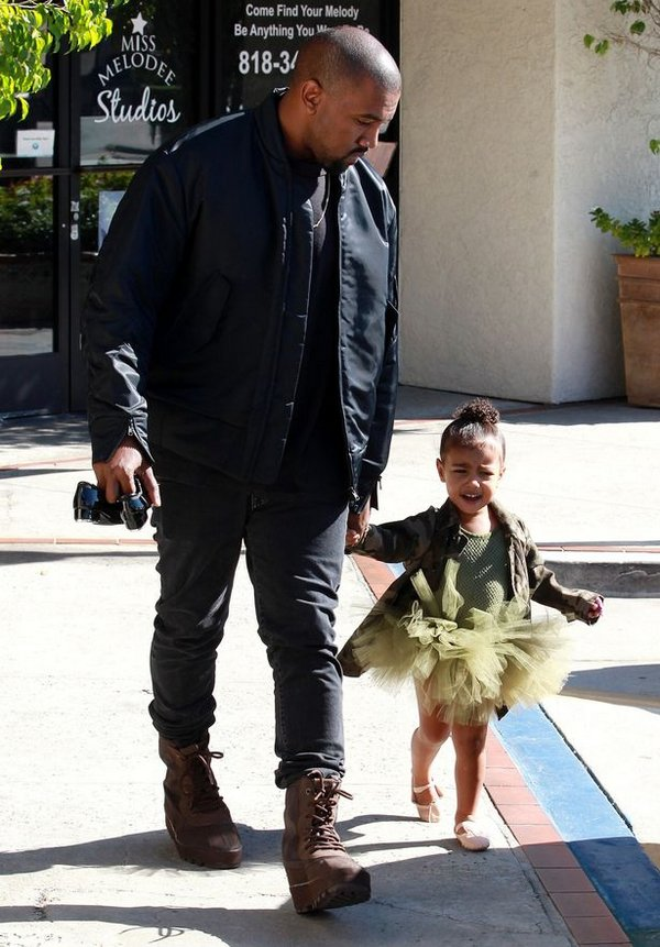 Kanye-West-takes-North-to-ballet