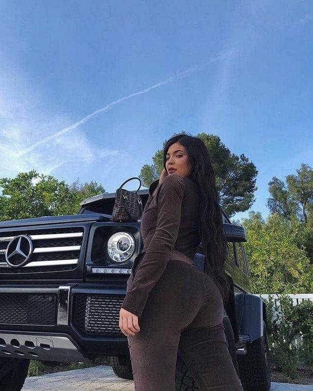 Kylie Jenner sexy ass