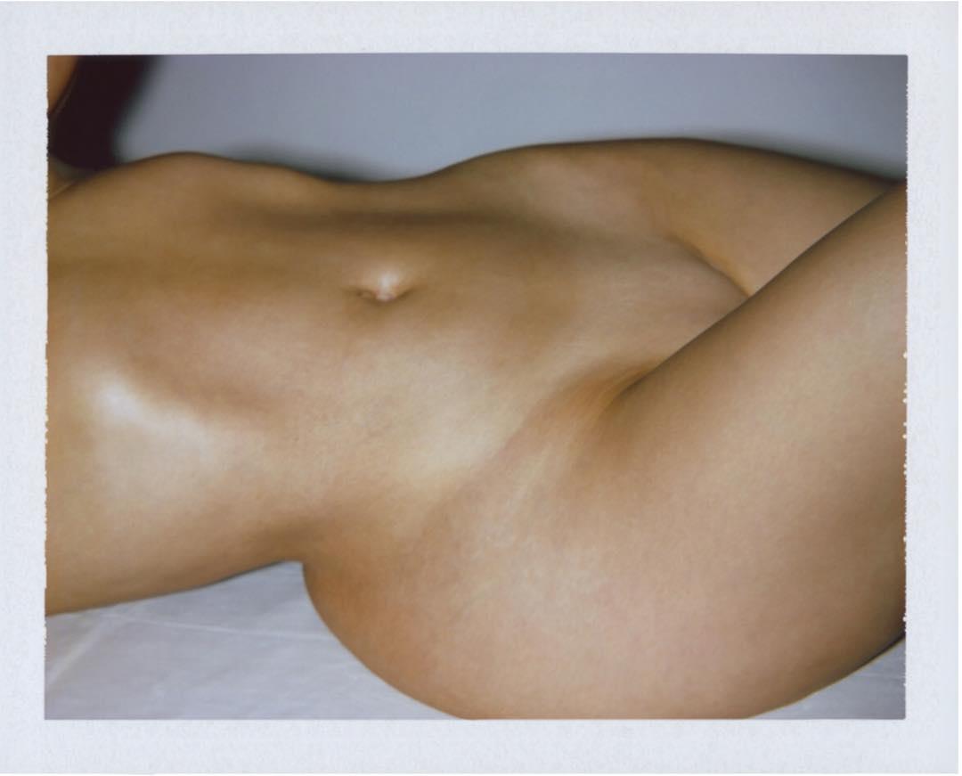 Kim Kardashian naked hips
